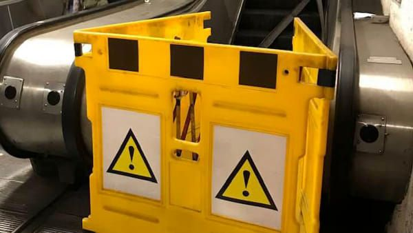 Alarm after smoke rises from escalator at Rome's Termini station