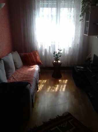 Small fully furnished flat for short term rent near Piazza Navigatore
