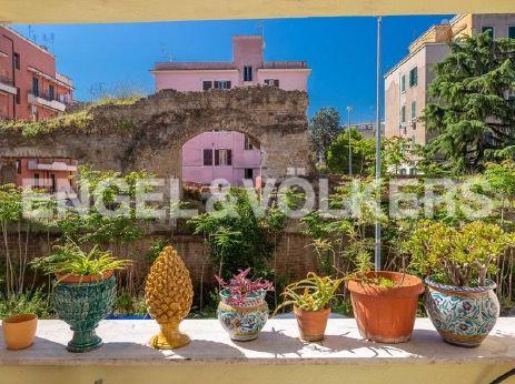 Renovated apartment for rent in Via dei Pioppi