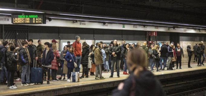 Bus, metro and train strike in Rome on 17 May