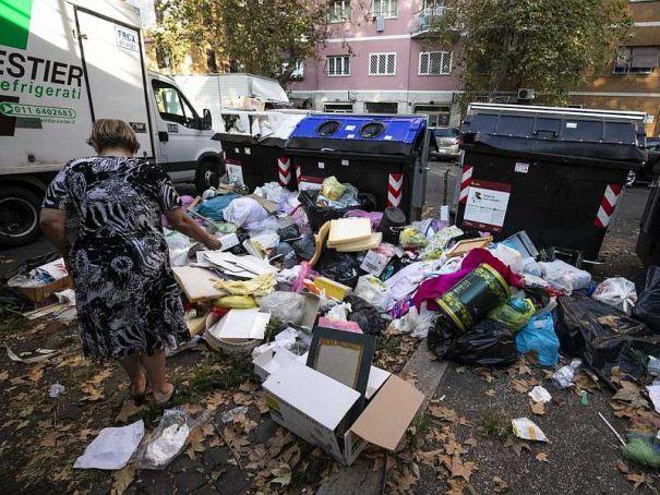 Doctors say Rome trash a health hazard