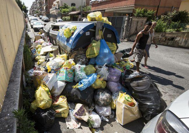 Rome's social media trash war