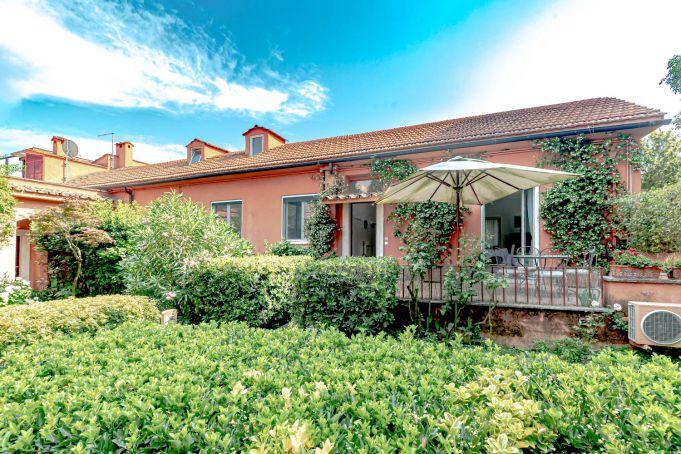 3-bedroom townhouse in villa in ranch outside GRA