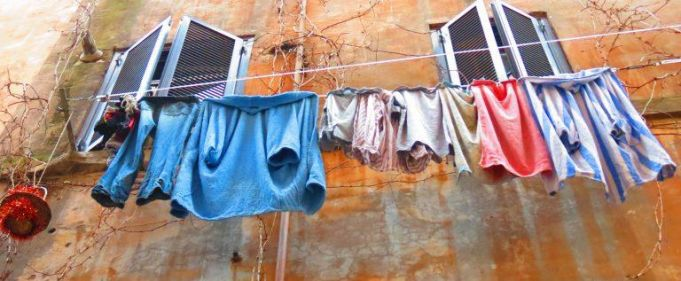 Rome bans drying laundry in public