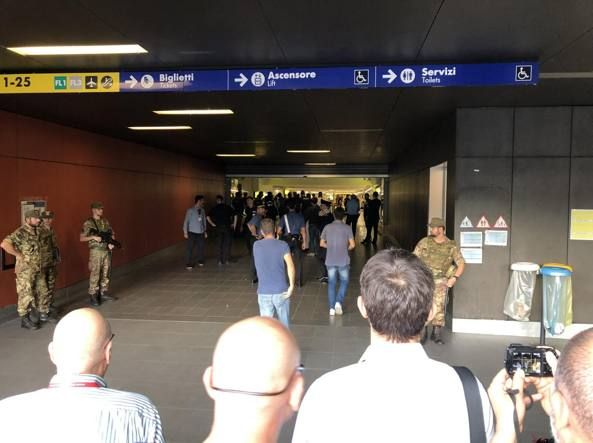Rome metro: man stabs security guard, steals gun and kills himself