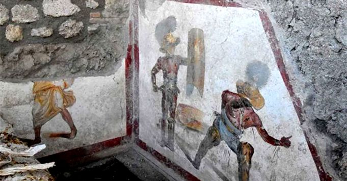 Fresco of fighting gladiators unearthed at Pompeii