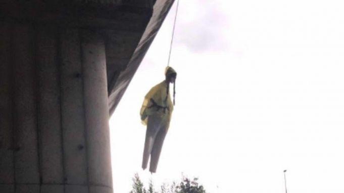 Hanged effigy of Greta Thunberg on Rome bridge