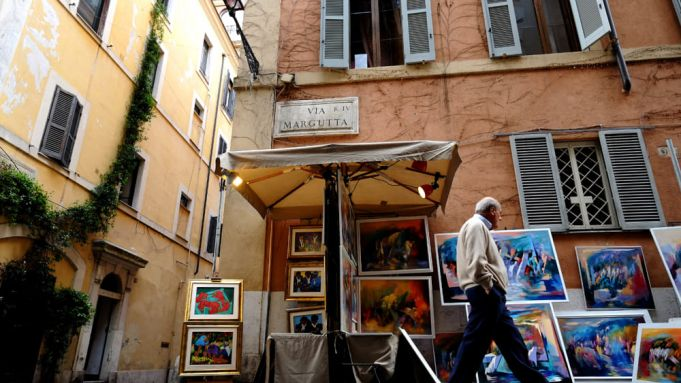 100 Painters at the Spanish Steps in Rome