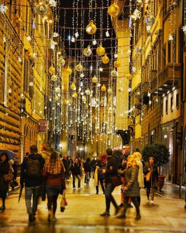 Christmas lights in Florence