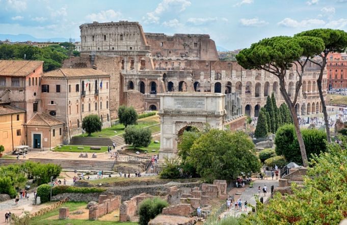 Visiting the Roman Forum