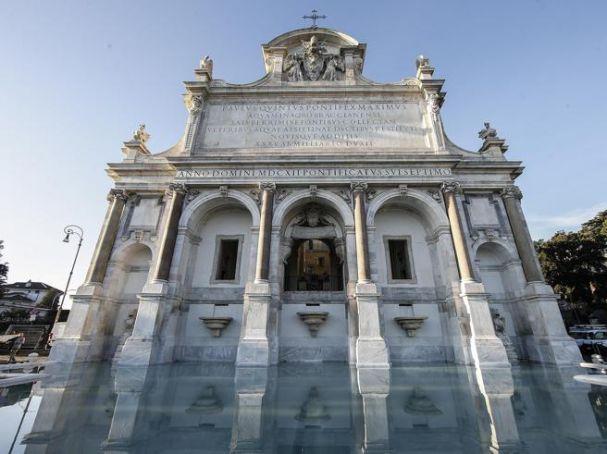 Fendi restores four Rome fountains