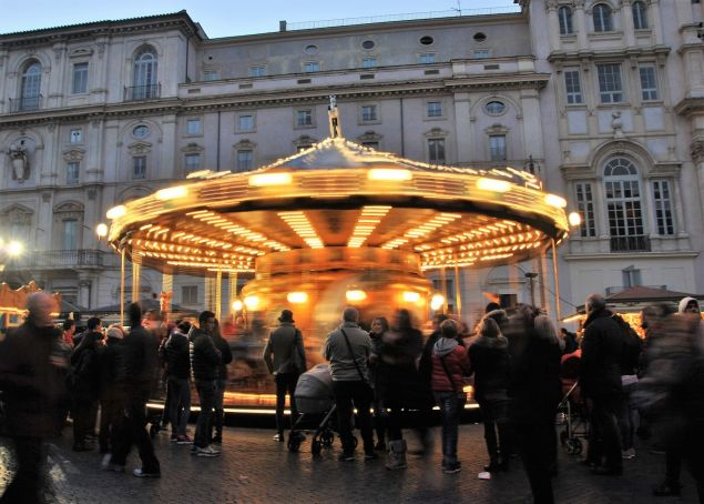 Rome reopens Piazza Navona Christmas Market