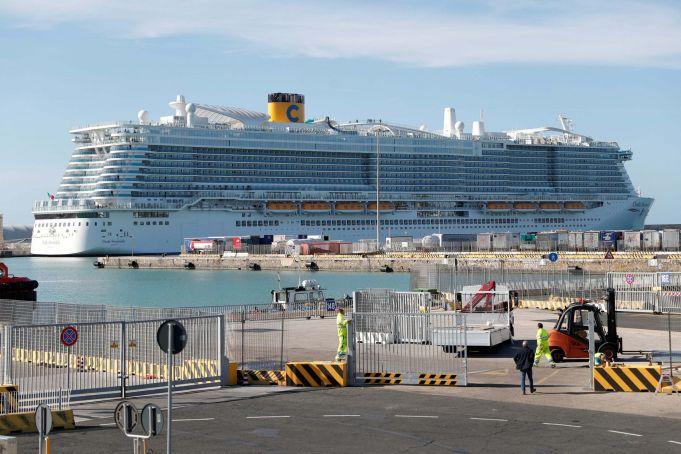 Italy: cruise ship in lockdown over Coronavirus fears