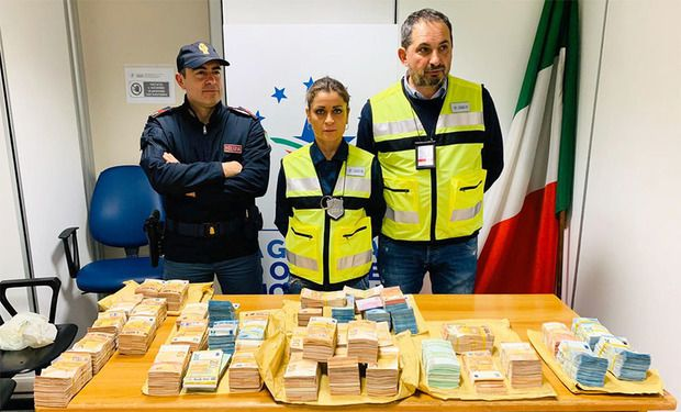 Rome airport: €3 million cash in luggage