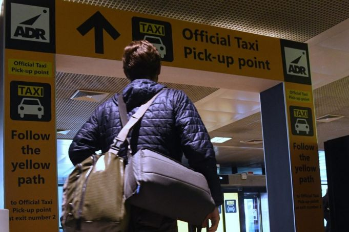 Rome airport shields tourists from illegal taxis