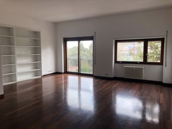 Flaminio - Bright 3-bedroom flat