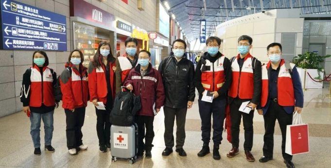 Coronavirus: China sends doctors and medical aid to Italy