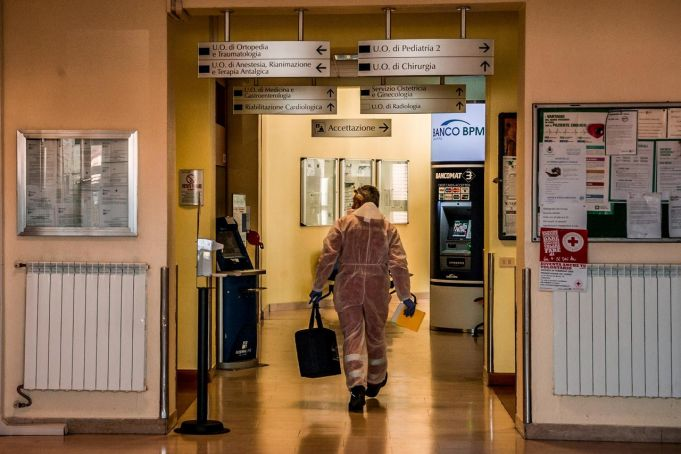 Italy: Number of Coronavirus deaths rises again by 743
