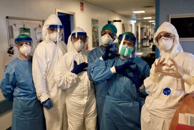 Italy's doctors and nurses 'performing miracles' says WHO