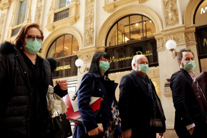 Coronavirus: whole of Italy goes into lock down