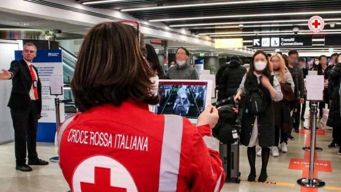 Coronavirus: Rome airports screen departing passengers