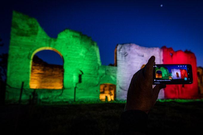 Coronavirus in Italy: Baths of Caracalla lit with colours of Italian flag