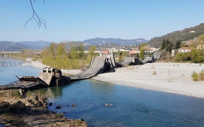 Italy: major bridge collapses in Tuscany