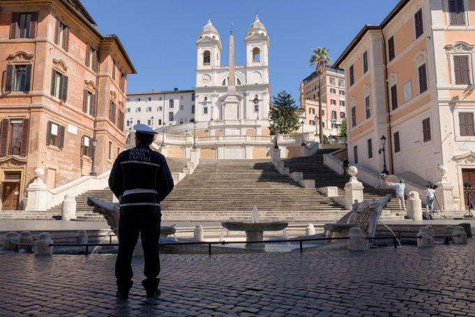 Coronavirus: Italy prepares for Phase Two