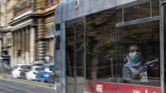 Rome to limit numbers on metro and buses