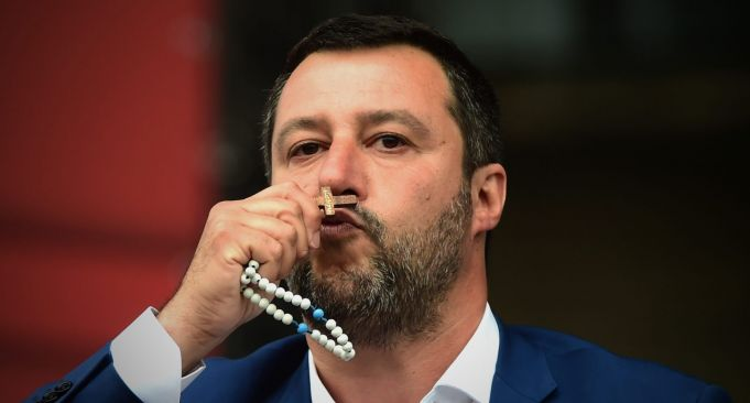 Reopen Italy's churches for Easter says Salvini