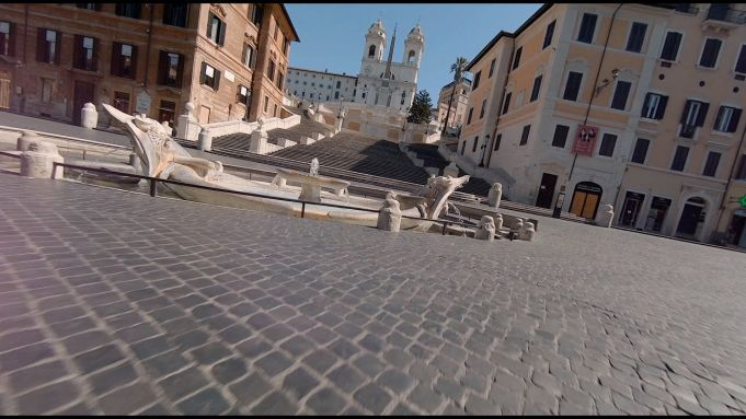 Rome: new drone video of empty Spanish Steps
