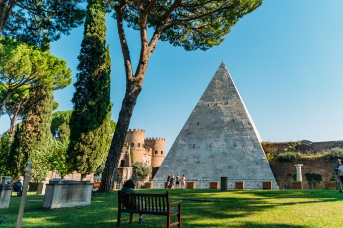 Rome reveals secrets of pyramid in virtual tour