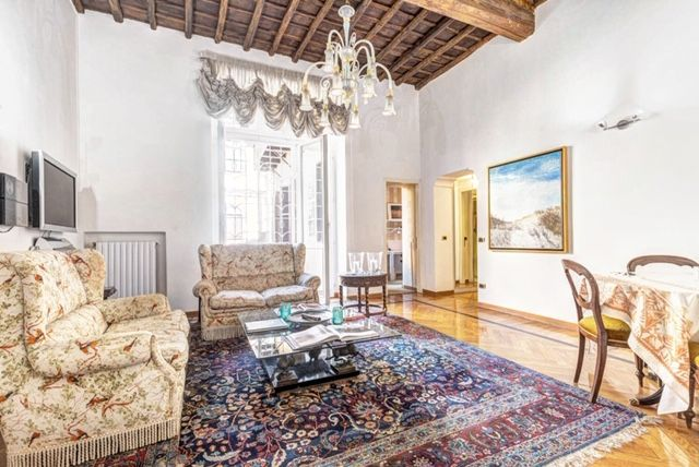 Flat for rent near Fontana di Trevi