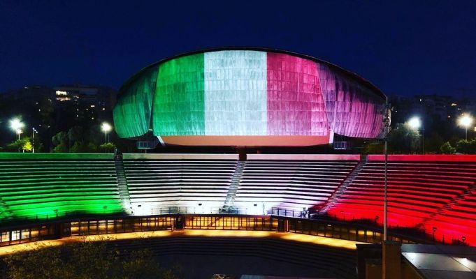Rome Auditorium lights up with Italian flag