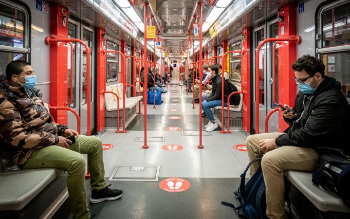 Covid-19: How to travel safely in Italy on public transport