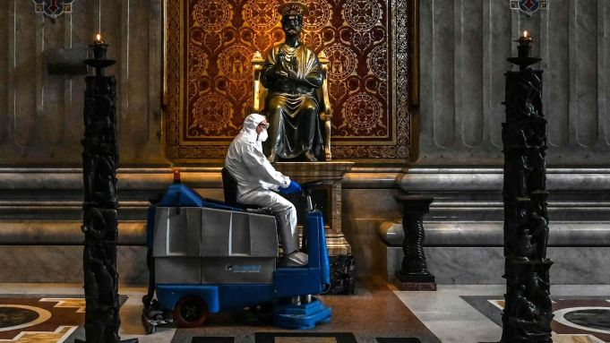 Vatican to reopen St Peter's Basilica on 18 May