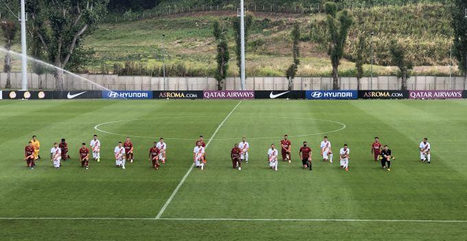 George Floyd death: Italian footballers take knee