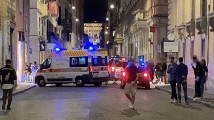 Rome pedestrian hit by electric scooter on Via del Corso