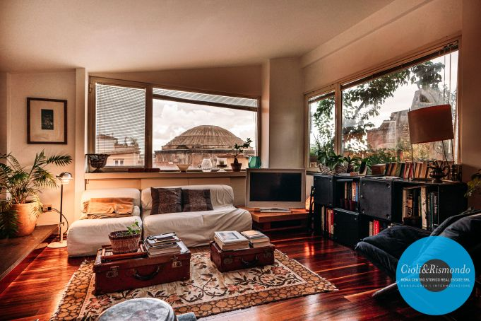 Penthouse on three levels with beautiful views and terrace for sale in Rome