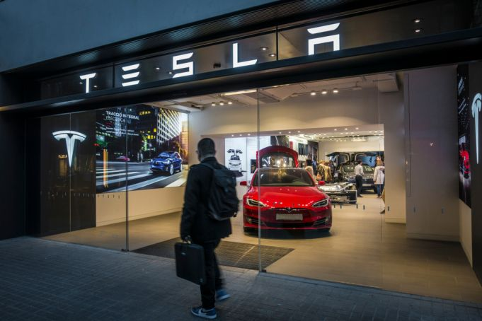 Tesla Centres open in Rome and Bologna