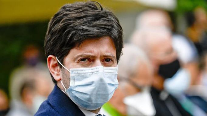 Covid-19 in Italy: 'Second wave possible' says Italian health minister