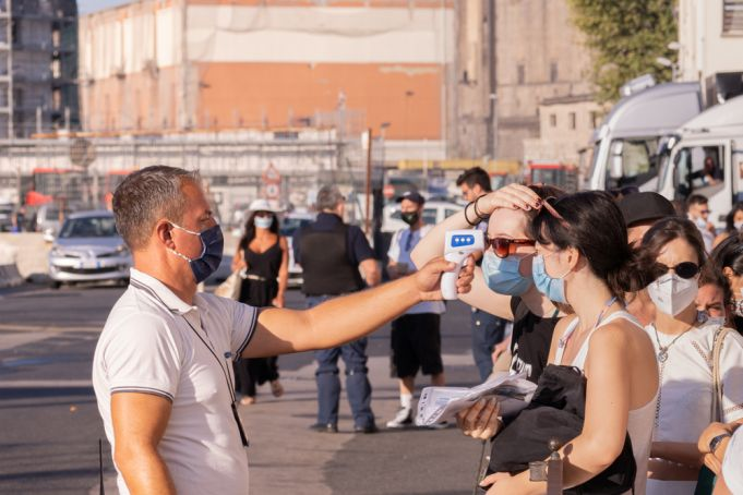 Covid-19 in Italy: Campania region makes face masks compulsory in public