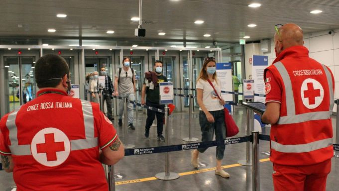 Italy: Rome's Fiumicino Airport wins 5-star rating for covid-19 response