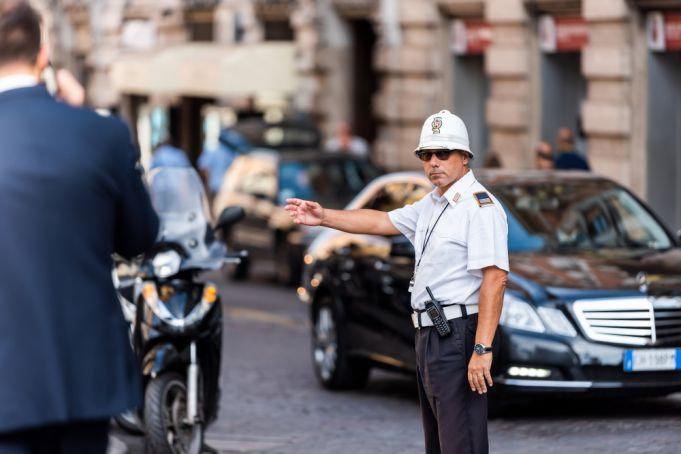 Rome seeks fit new traffic police