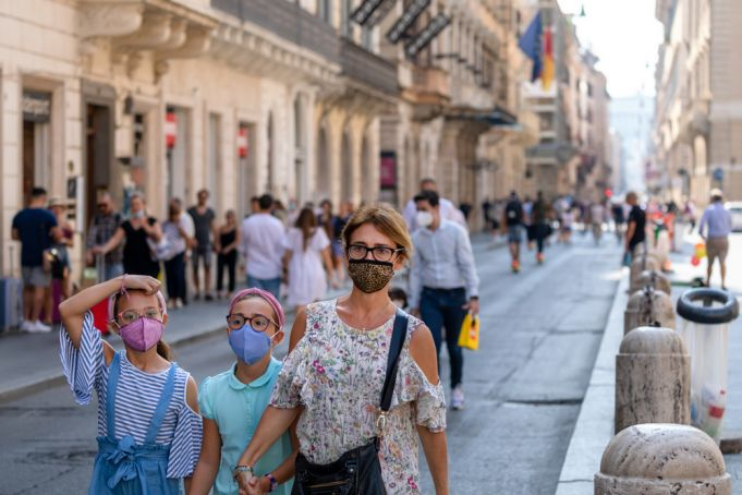 Covid-19 in Italy: Fines for not wearing masks outdoors in Rome