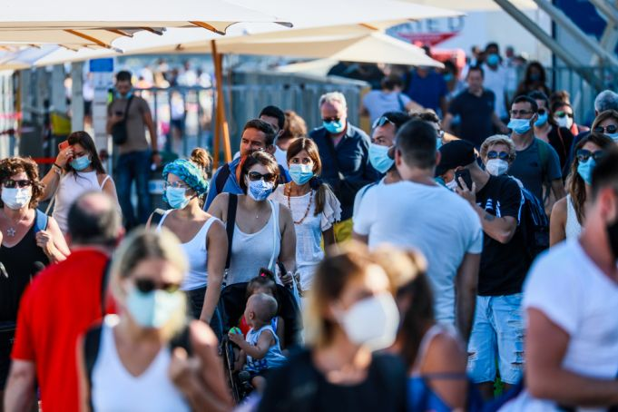 Covid-19 in Italy: Heavy fines for not wearing masks outdoors