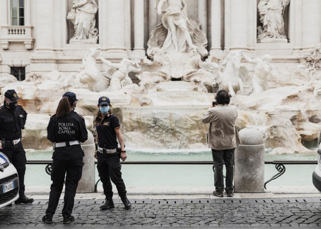 Covid-19 in Italy: 'More masks, fewer parties' warns Lazio region