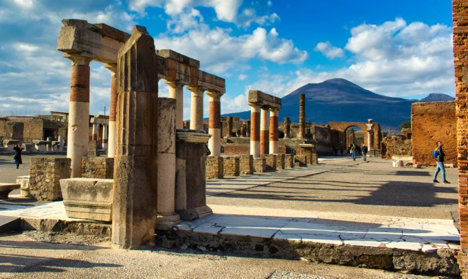 Tourist returns 'cursed' artefacts looted from Pompeii