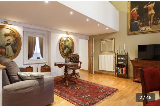 Gorgeus apartment for rent near Fontana di Trevi