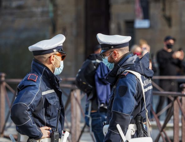 Italy considers new 'red zone' lockdowns to curb covid-19 rise